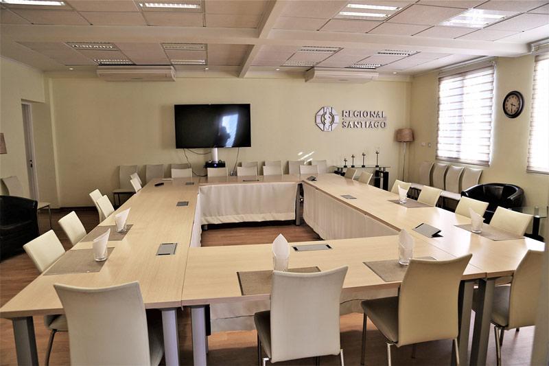Colegio Medico Regional Santiago salon de reuniones 1